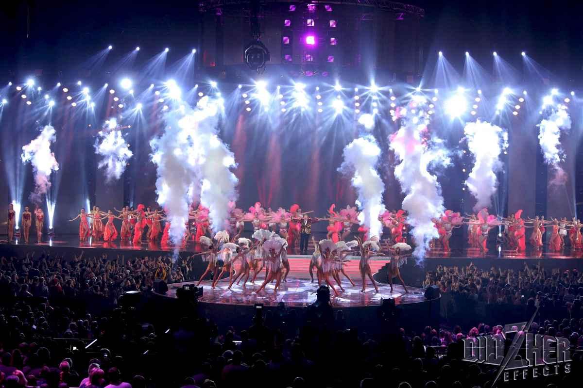 Фото - Спецэффекты на концерте Михаила Поплавкового Я у тебе один от Didzher Effects